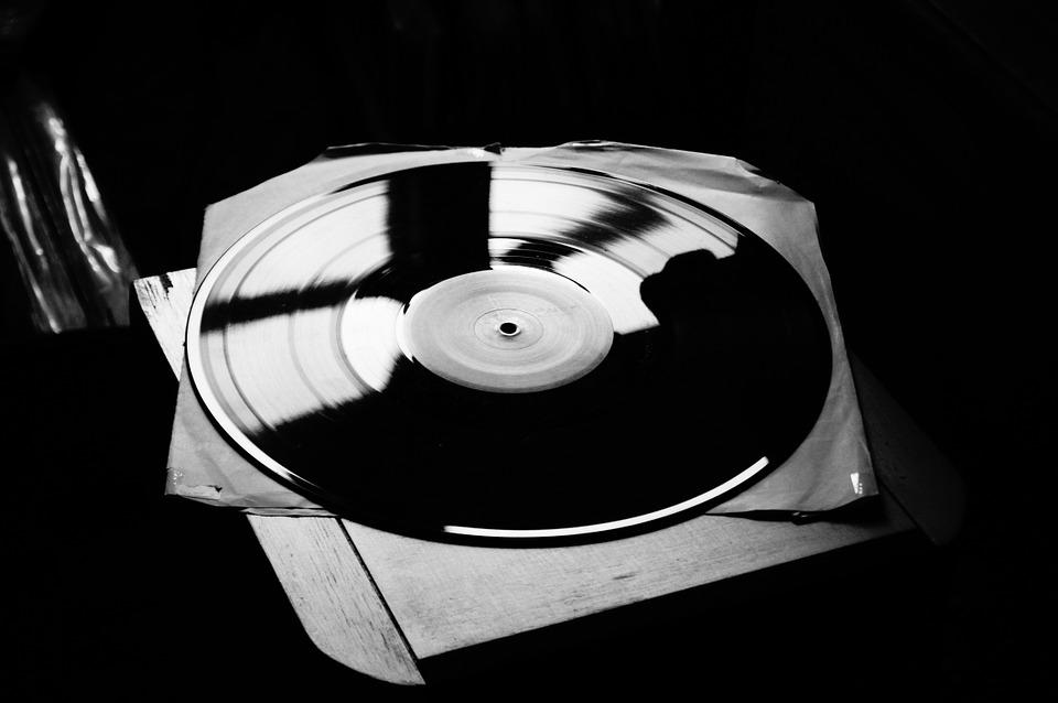 sonar-con-musica