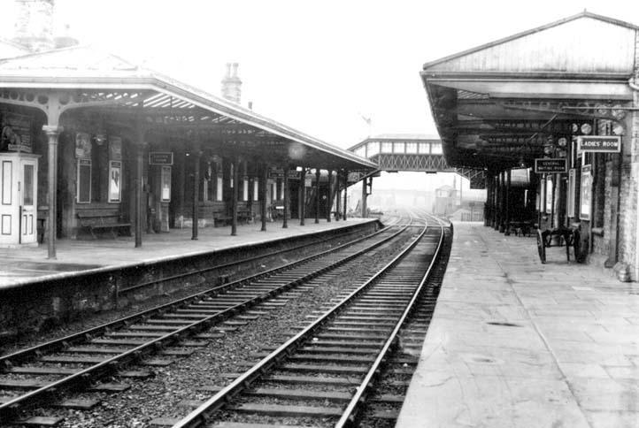Soñar con estación de trenes